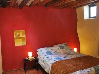 Quirky renovated character town house on the edge of Alcutar., Berchules