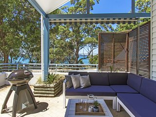 Luxury Overlooking Pearl Beach