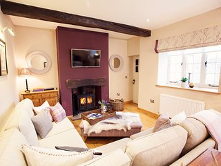 42942 Cottage in Brecon, Llanfrynach