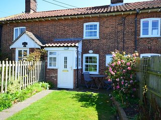 PEBN8 Cottage in Northrepps