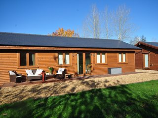 47544 Log Cabin in Warwick, Shrewley