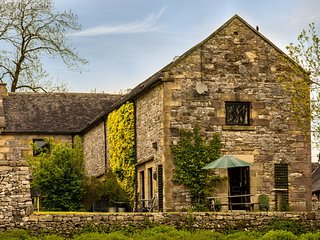 PK436 Cottage in Hartington, Sheen
