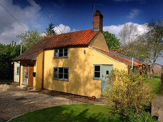 WECN8 Cottage in Aylsham, Banningham