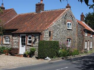BUCN8 Cottage in Roughton