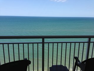 Wonderful Deluxe 1 br Oceanfront Condo on 14th Floor, Paradise Resort, Myrtle Beach