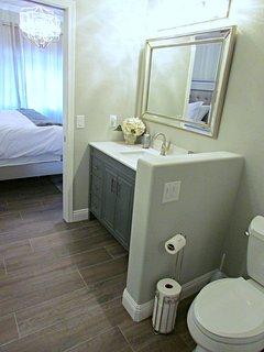 Master en suite bathroom with double vanities