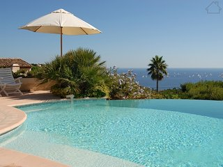 Cipriano 210998 villa for 10 with panoramic sea views, heated infinity pool, Les Issambres