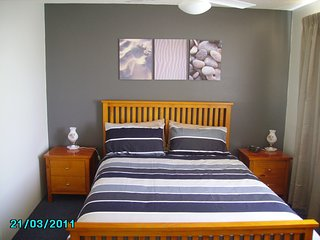Deepwater Cove Unit 1, 68 Lower Gay Tce
