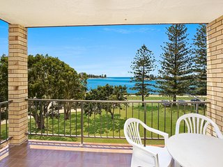 Golden Shores U8, 21 Landsborough Parade, Golden Beach