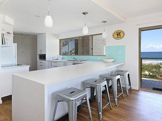 Amazing Ocean Views - Alinga U4, 27 Mahia Tce, Kings Beach