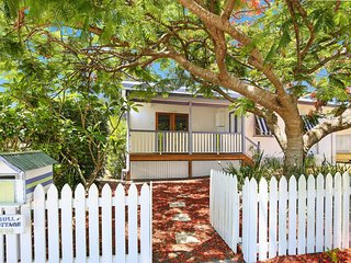 Gull Cottage,129 Landsborough Pde, Golden Beach