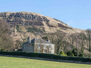 Balgedie House, luxury home close to Edinburgh for Festival visit, amazing views
