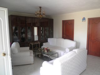 R64 Sunny apartment with beautiful garden!