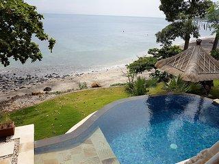 Villa Makara - Full Ocean View - Beach Front - Private Pool