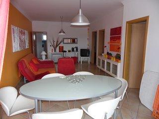 Albufeira -Apart T2 cuisine équipée, 2 chambres, salon, cuisine équipée, piscine, Olhos de Água