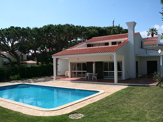 3 Bedroom villa with garden and pool