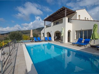 Lysos villa with private pool