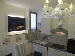 SUITE DESIGN AND LUX MOLVENO CENTRO