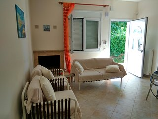 R68 Excellent maisonette in Paralia Dionysiou.
