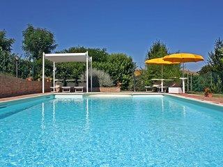 Villa Privata con Piscina, 8 posti, wi-fi, aria condizionata, Marche, Pergola