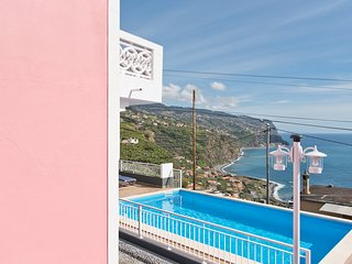 Dom Carlos - Apartament with Pool & Great Views, Ponta Do Sol