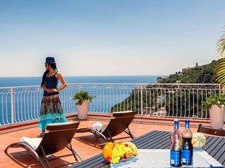 VILLA SERENA with Amazing Sea View, in Amalfi !