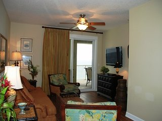 OCT- DEC 31- $187/NT PLUS FEES -3 BR /2 BA BCH FRONT W/FREE BCH SVC & VIP PASS