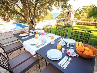 Luxury Villa Sunshine with pool by the sea at the beach close to Trogir - Trogir, Seget Vranjica