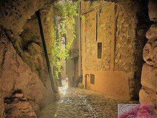 Casa Luna - Romantico nido su 3 livelli nel centro storico di Apricale