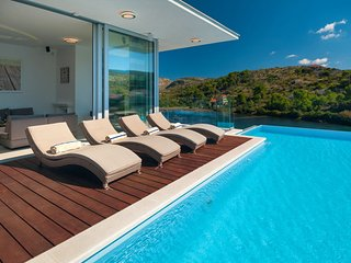 Luxury Villa Blue Star of Brac with pool by the sea and beach in Bobovisce