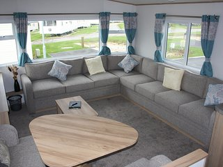 Littlesea Weymouth, 2017-3 bed caravan with views of Fleet Lagoon
