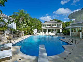 St. Helena - Ideal for Couples and Families, Beautiful Pool and Beach, Saint James Parish