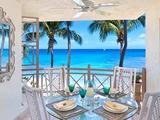 Reeds House Penthouse 12 - Ideal for Couples and Families, Beautiful Pool and Beach, Saint James Parish
