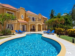 Sundown Villa - Ideal for Couples and Families, Beautiful Pool and Beach, Mullins