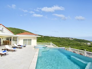 Villa Star - Ideal for Couples and Families, Beautiful Pool and Beach, Philipsburg