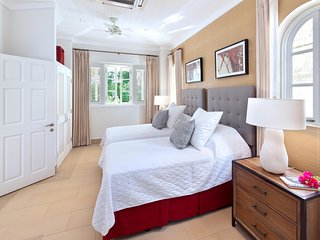High Cane-  Sandy Lane - Ideal for Couples and Families, Beautiful Pool and Beach