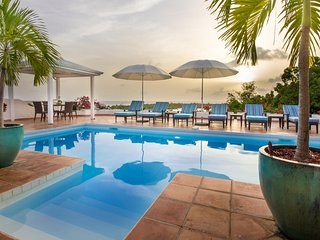 La Magnolia - Ideal for Couples and Families, Beautiful Pool and Beach, Terres Basses