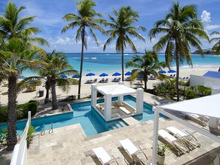 Alabaster - Ideal for Couples and Families, Beautiful Pool and Beach, Philipsburg