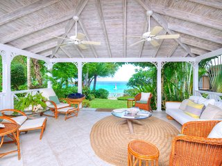 Secret Cove 4 - Ideal for Couples and Families, Beautiful Pool and Beach, Saint James Parish