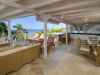 Reeds House Penthouse 14 - Ideal for Couples and Families, Beautiful Pool and Beach, Bathsheba
