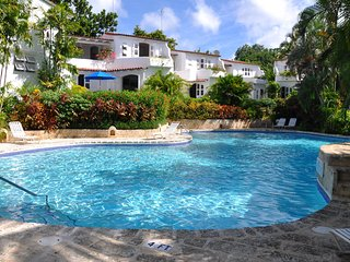 Oceans Edge - Ideal for Couples and Families, Beautiful Pool and Beach, Saint Peter Parish