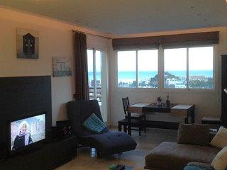 Luxueux duplex, terrasse sur toit, penthouse, vue mer, piscine de la résidence