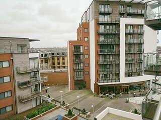 STUNNING 2 BEDROOM APARTMENT, West End