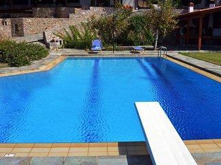 VILLA MAREMONTE-CH, amazing view -shared pool