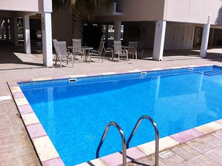 Spacious 2 bedroom flat with wifi