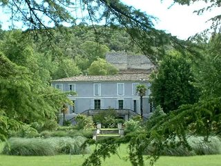 Domaine de Plantat, Quissac chatea to rent in France sleeps 13