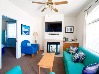 1bed/1bath #1  Located a few short steps from the pristine beach & sand dunes!