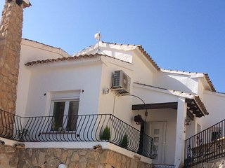 Our Stunning 4 bedroom Villa within a 15 minute walk of Moraira town and beach.