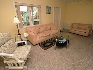 4 C Monkeys - Cozy Second Row Condo, Pets Welcome!!