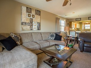View at the Foothills - 2 Bedroom, 2 Bath Condo right in the Heart of Branson
